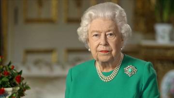 Kraliçe 2. Elizabeth tahttaki 5. ulusa sesleniş konuşmasını yaptı